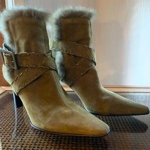 Antonio Milano Gorgeous Fur trim Olive Booties